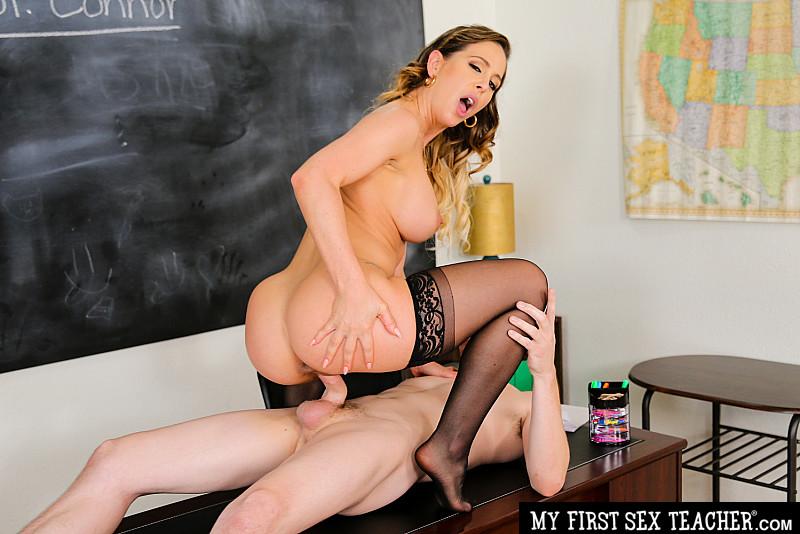[MyFirstSexTeacher.com / NaughtyAmerica.com] Cherie DeVille (25549 / 16.09.19) [2019, Hardcore, Oral, 1080p]