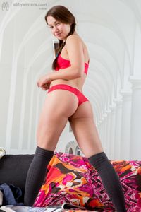 Sophie-stuffs-her-meaty-pussy-%28x140%29-b6wvsfxfr7.jpg