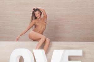 Melena - Love [x124]-g6wwdq3yik.jpg