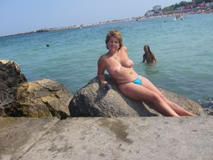 Mature1.-Beach-in-Romania-on-the-Black-Sea-a6xcgpoe1k.jpg