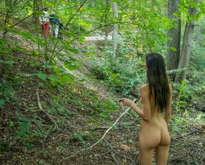 Katerina-on-Her-First-Naked-Hike-f6xc1bv4zt.jpg