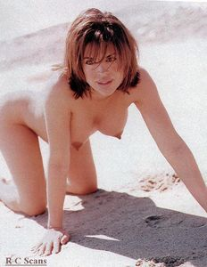 Lisa-Rinna-Pregnant-Top-Model-l6x8exjryk.jpg