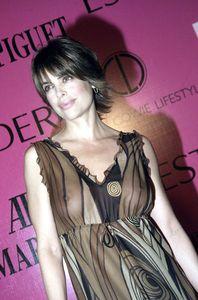 Lisa-Rinna-Pregnant-Top-Model-w6x8exr0vk.jpg