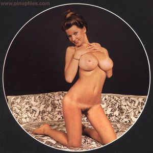 Vintage-Roberta-Pedon-q6xo5gh7e3.jpg