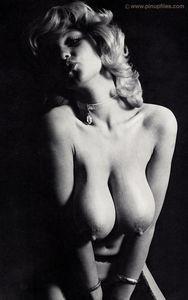 Vintage-Roberta-Pedon-n6xo5g7q43.jpg