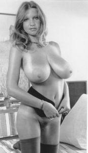 Vintage-Roberta-Pedon-36xo5ilpjj.jpg