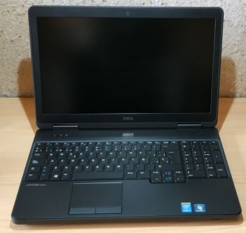 [VENDIDO] Portátiles Dell Latitude E5540. 15'6 pulg + 8 GB RAM + 500 GB HDD + NVIDIA
